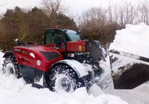 Louth Tractors in the snow