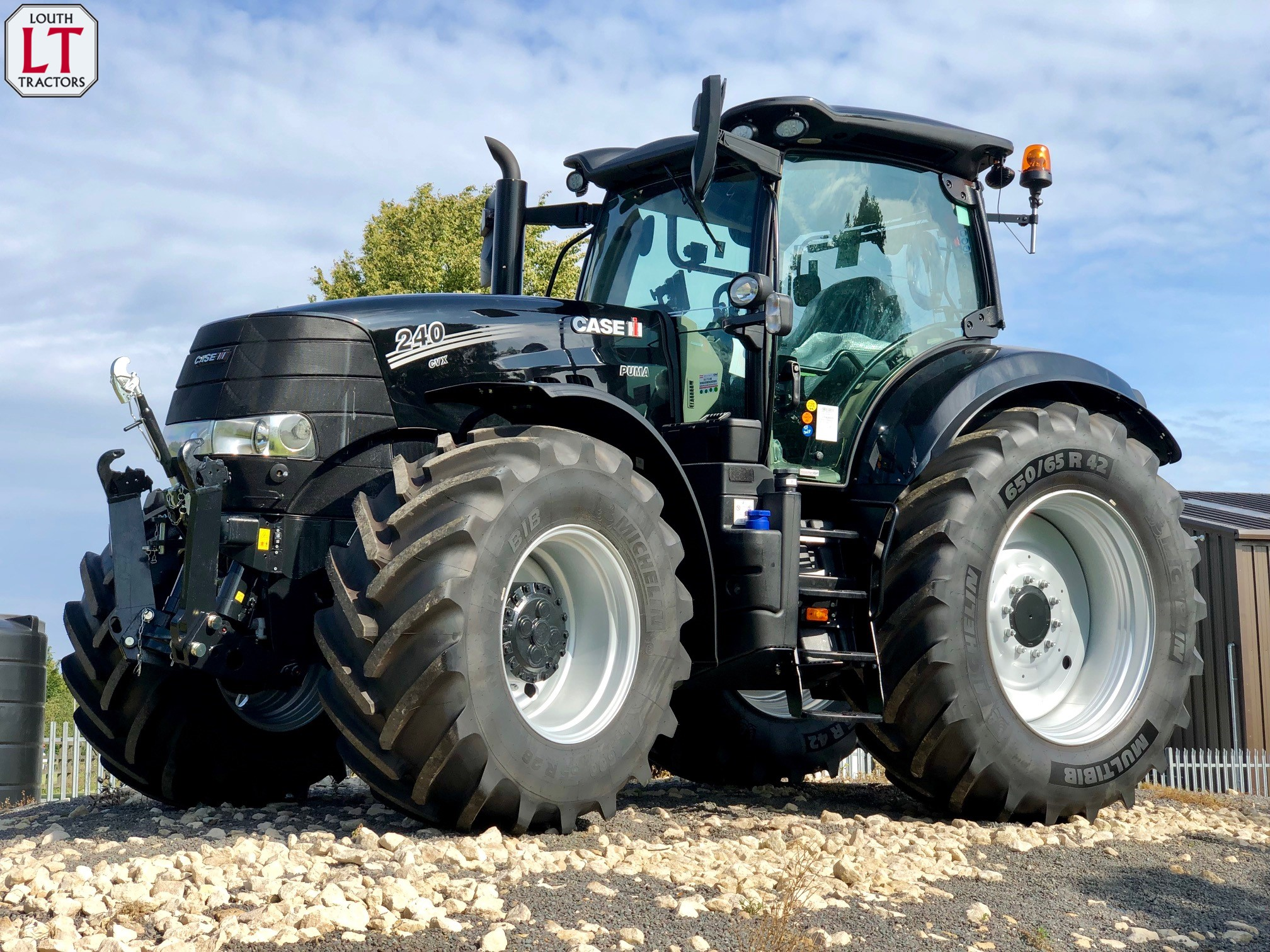 Louth Tractors   Servicing Lincolnshire farmers for over